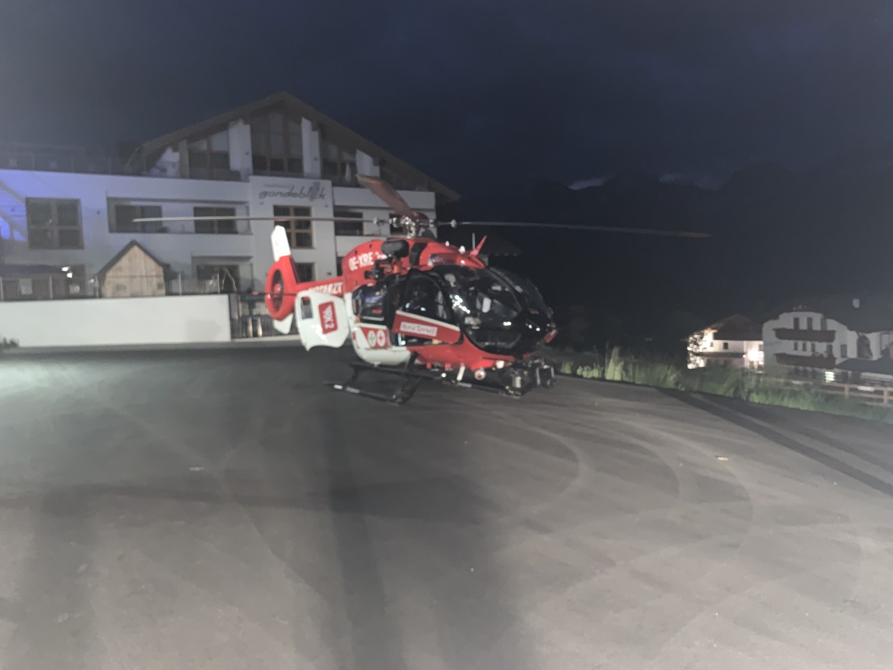 Hubschrauber am Landeplatz