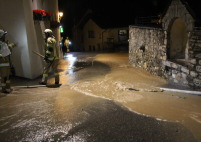 Einleiten des Wassers in Kanalschächte